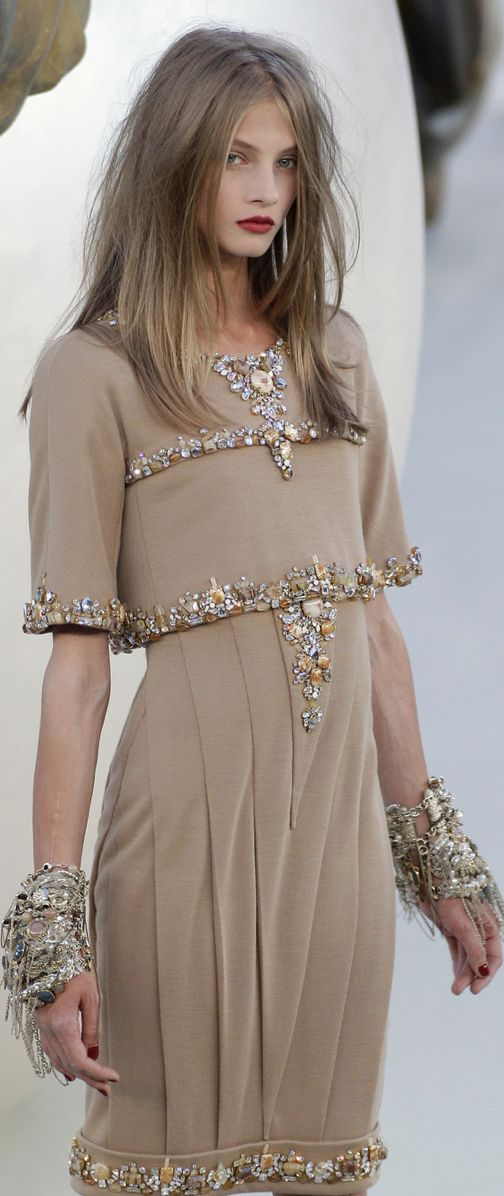 Chanel Couture Fall 2010....I really love this! & I would still wear it even if it is 2012 now. Very elegant piece.