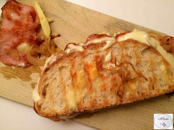 Croque Monsieur Savoyard avec du jambon de Savoie à la place du bacon