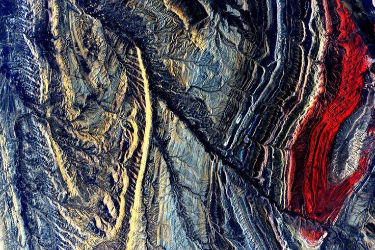 Here are astronaut Scott Kelly's most jaw-dropping photos from his year in space