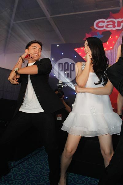"Here is the lovely Julia Barretto dancing with Alex Diaz to ""Gentleman"" by Psy during the 2013 Candy Style Awards. Alex Diaz called on Julia Barretto, who was sitting in the audience, to join him onstage and dance to Psy's latest hit song, ""Gentleman."" #JuliaBarretto #AlexDiaz #PsyGentleman #CandyStyleAwards2013"
