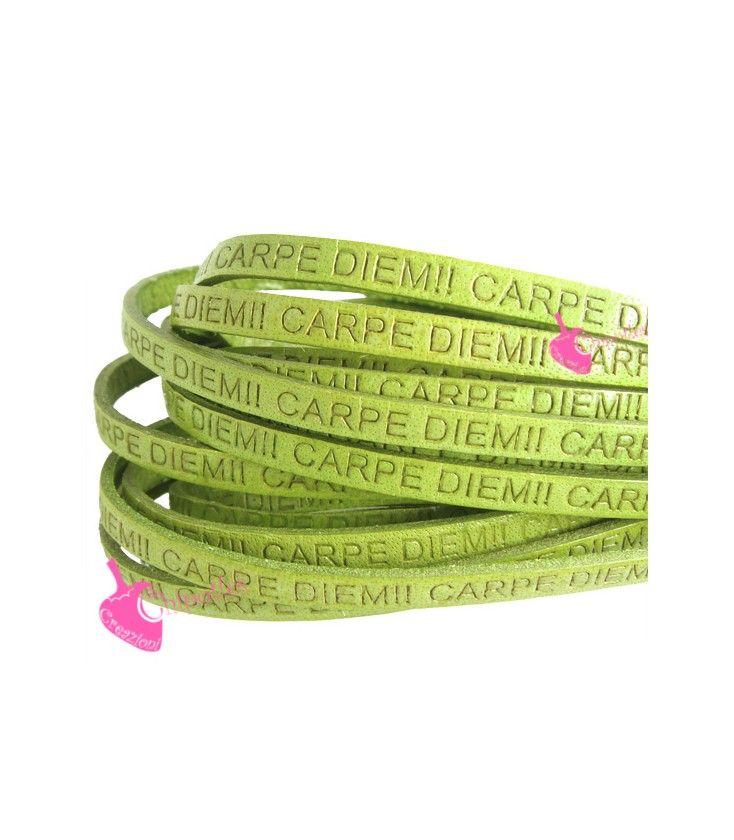 Cordoncino Pelle 5 mm con Scritta Carpe Diem colore Verde Chiaro