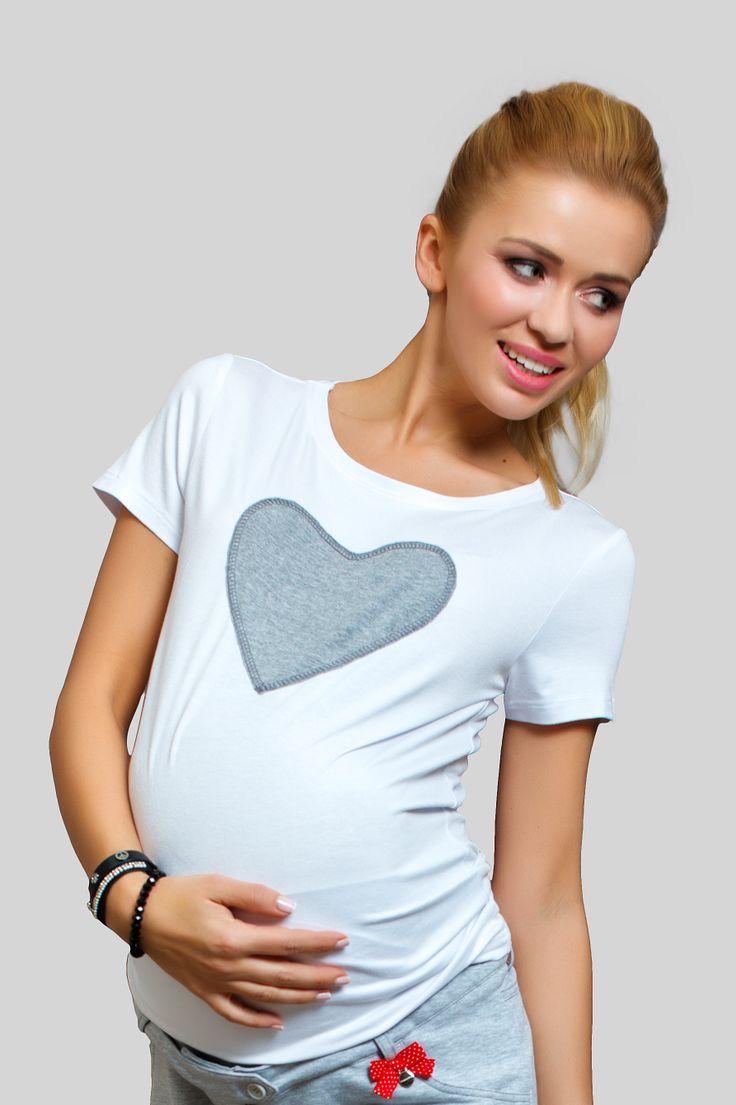 Tricou Big Heart potrivit pentru gravide, dar si pentru mame. Este mega confortabil si adecvat oricarei tinute casual.  #maternitystyle #maternitychic