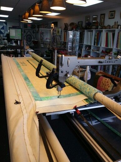 Longarm Professional Quilting On A Gammill Statler