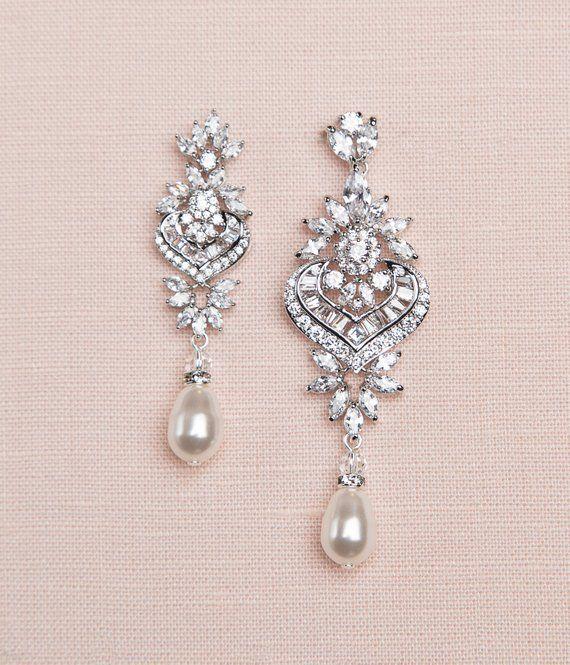 Rose Gold Bridal Earrings Crystal Wedding Earrings Statement Etsy In 2020 Crystal Earrings Wedding Crystal Bridal Earrings Bridal Earrings