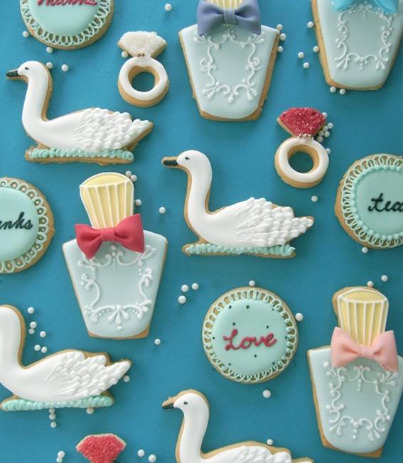 アイシングクッキー&ケーキ Thumb and Cakes - the rings & swans for the 12 days of Christmas