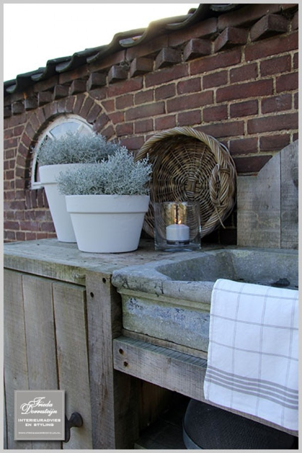 Yes on the basin and that lovely rustic wood with the brick. Outdoor kitchen.