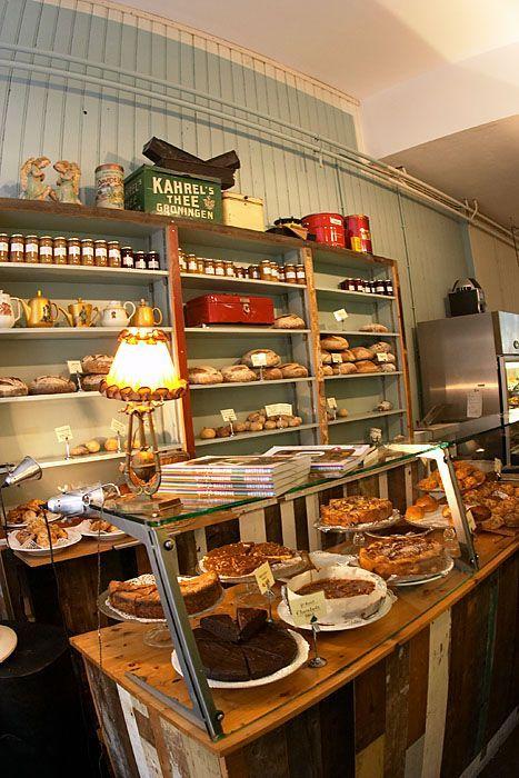 De Bakkerswinkel via Style Guide~ not a fan of baked goods but... I like the way this little store looks. It's so mom and pop. It's cute.