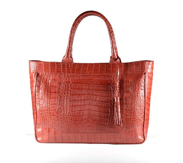 Shopper crocodile bag. Handmade in Colombia. Truly classic and luxurious. This bag is an investment in a timeless style to keep all your essentials. Spacious, clean, and sharp for your every day life. $1750
