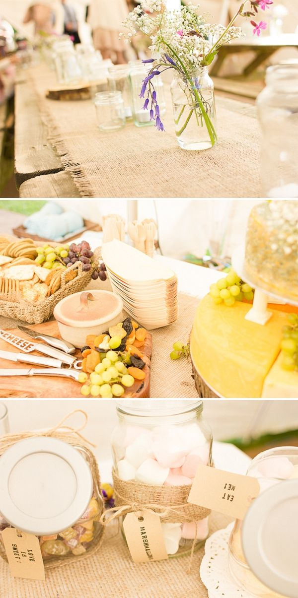 Burlap table dressing & luggage labels make for a lovely simple wedding decor