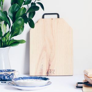 Ark Wood Serving Board : Tag Shape with handle