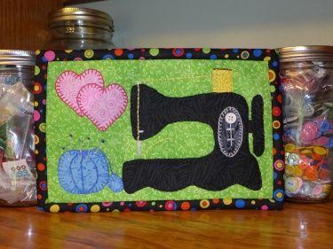 Free Easy Mug Rug Patterns | ... Mug Rug, Sewing Machine Mug Rug Pattern, Sewing Mini Quilt Pattern