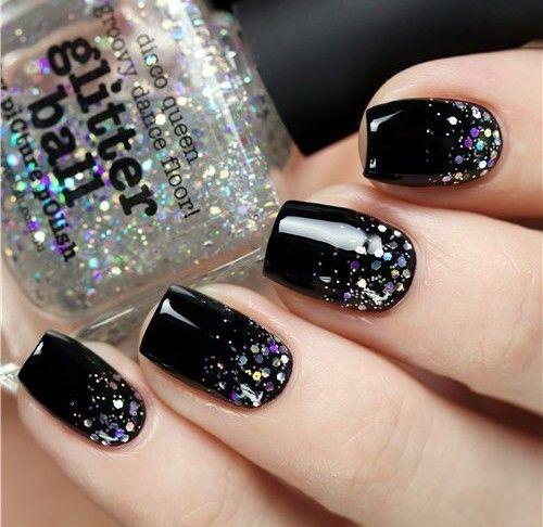 Unhas. Nail art. Black nails.  www.normalidadein…