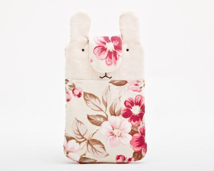 mobiele telefoon cover, iPhone, konijn,  roze van JuliaWine op DaWanda.com