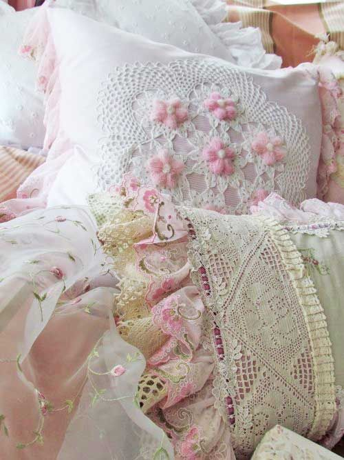 Shabby Chic Pillow Ideas : Beautiful Shabby Chic Pillows! I love the layering of texture. And the soft tones are so restful ...