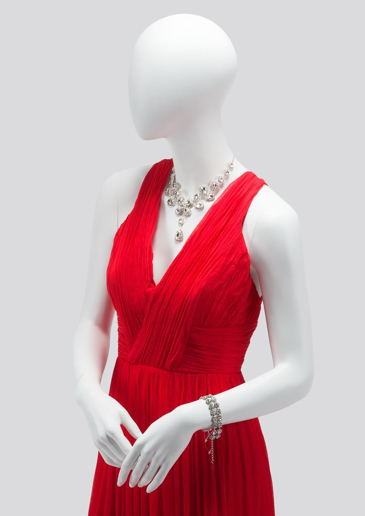AEGON Collection by More Mannequins #FemaleMannequin #HighFashion #RedDress #diamonds