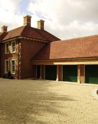Crooms Hill, Fairfax Product Used: Shire Colour: Priory Description: Western Home Counties' leading property company, Fairfax Properties, has once again selected Keymer's hand made clay tiles as the perfect compliment for its latest masterpiece - Crooms Hill House. A classically designed Georgian-style country house, set in around 10 acres of stunning countryside, Crooms Hill House is a sight to behold. Created for first class, modern family living, the substantial home is topped off…
