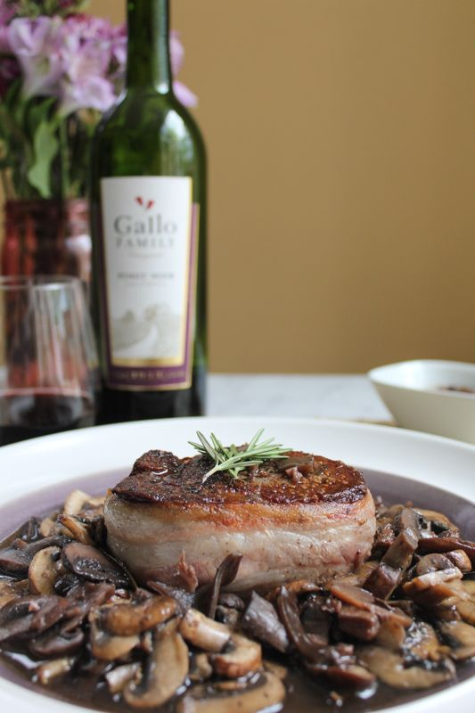 Filet Mignon with Mushrooms and Pinot Noir Sauce for #SundaySupper   Hip Foodie Mom