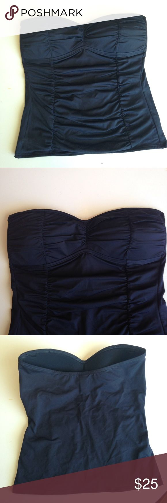 """Tommy Bahama tankini top Tommy Bahama Pearls shirred tankini top. Strapless bandeau style. Fully lined, bra-like bust. 15"""" body length, 14"""" across when lying flat. Ruching all over front for flattering coverage.  Tried on, but never used. Tommy Bahama Swim"""