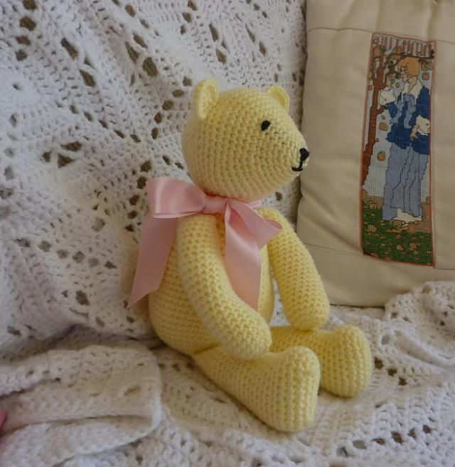 10 FREE Teddy Bear #Crochet Patterns: Buttercup Bear Free Crochet Pattern by Yellow, Pink and Sparkly