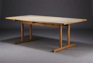 Børge Mogensen 1914-1972. Spisebord af massivt sæbebehandlet egetræ med shakerstel. Fremstillet hos Fredericia Stolefabrik. H. 70 L. 196 B. 98 cm. Fremstår med lettere brugsspor.