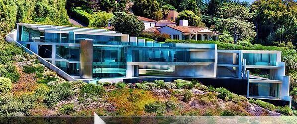 The 32 million modern mega mansion in la jolla ca for Mega homes for sale