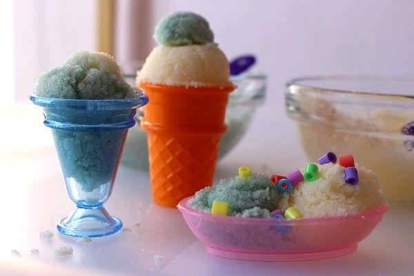 """Une glace à la menthe avec des pépites de chocolat, ça te tente? recette pour de la glace """"pour de faux"""""""