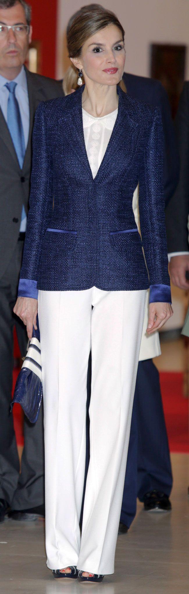 [Código: LETIZIA 0188] Su Majestad la Reina Doña Letizia                                                                                                                                                                                 Más
