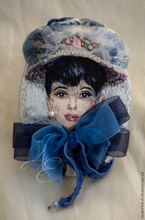 "Брошь ""Beautiful lady in blue"" - Елена Щербинская (AE) - Ярмарка Мастеров http://www.livemaster.ru/item/7169977-ukrasheniya-brosh-beautiful-lady-in-blue"