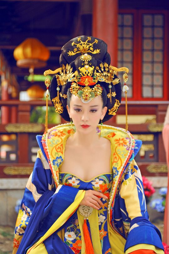 "Shi Shi as Empress Wang in ""The Empress of China"""