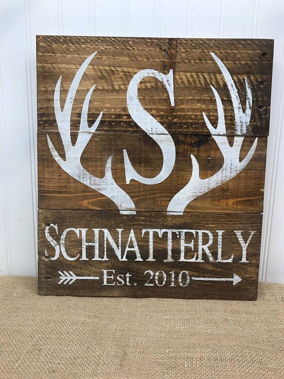 Deer Antler Sign - Custom Name Sign - Rustic Antler Sign - Rustic Pallet Wall Art - Gifts for Hunter - Rustic Cabin Decor - Wood Sign -14x15