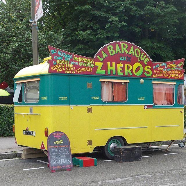 Dans les rues d'Amiens... #lafêtedanslarue #amiens #caravane #cirque