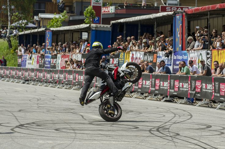 Stunt show by Kevin Carmichael at Tridays 2016! www.tridays.com #freespirits #tridays #triumph #triumphtridays #kevincarmichael #triumphstuntman #officialtriumphstuntman #event #motorcycles #motorrad #moto