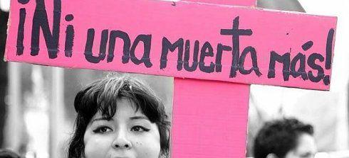 Jueves 7 de mayo de 2015 |  VIOLENCIA CONTRA LAS MUJERES Femicidios: la violencia que no cesa: Ocurrieron 4 femicidios en las últimas 48 horas. La hipocresía del Estado, sus instituciones y los medios de comunicación ante un flagelo que, sin embargo, no cesan de generar, legitimar y reproducir. Por Andrea D'Atri: No pasaron más de 24 horas entre la noticia del asesinato de una mujer en un restaurante del barrio porteño de Caballito y el intento de asesinato de una adolescente, arrojada en la…