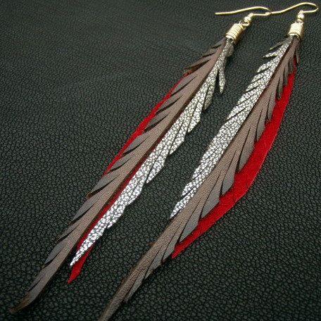 Boucles plumes de cuir - brun, rouge et brillant argent