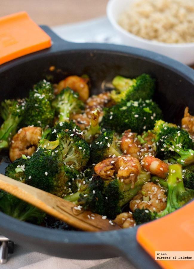 Receta de salteado de brocoli y gambas con salsa de ostras. Con fotos del paso a paso y la presentación. Trucos y consejos de elaboración. Recetas de verdura...