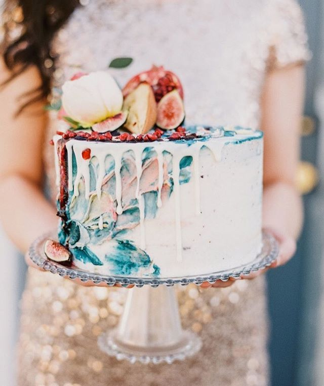 #Inspiredby this amazing colorful #drizzlecake!  Photo by @albarose_| Cake by@thebutterflycakefactory| As seen on @stylemepretty