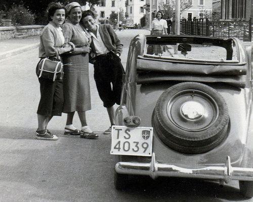 Una targa del Territorio Libero di Trieste 1950