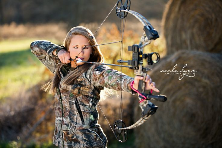 bow and arrow senior pictures for girls