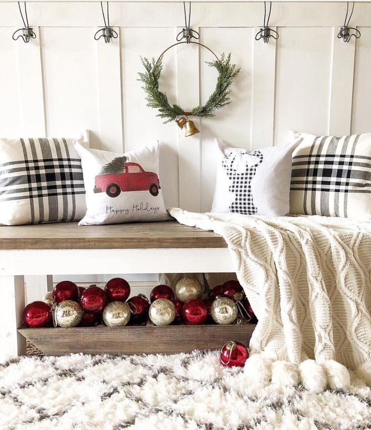 """711 Likes, 4 Comments - P a i n t e d F o x H o m e™ (@paintedfoxhome) on Instagram: """"Check this cozy holiday loveliness out! Bethany @blessedonbluefinch was the recent FARMHOUSE SWAG…"""""""