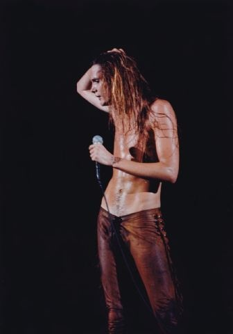 Baz 89 Those are my favorite pants he wears, he was so wasted (I think Europe), he didnt even sing some of the songs right, lol