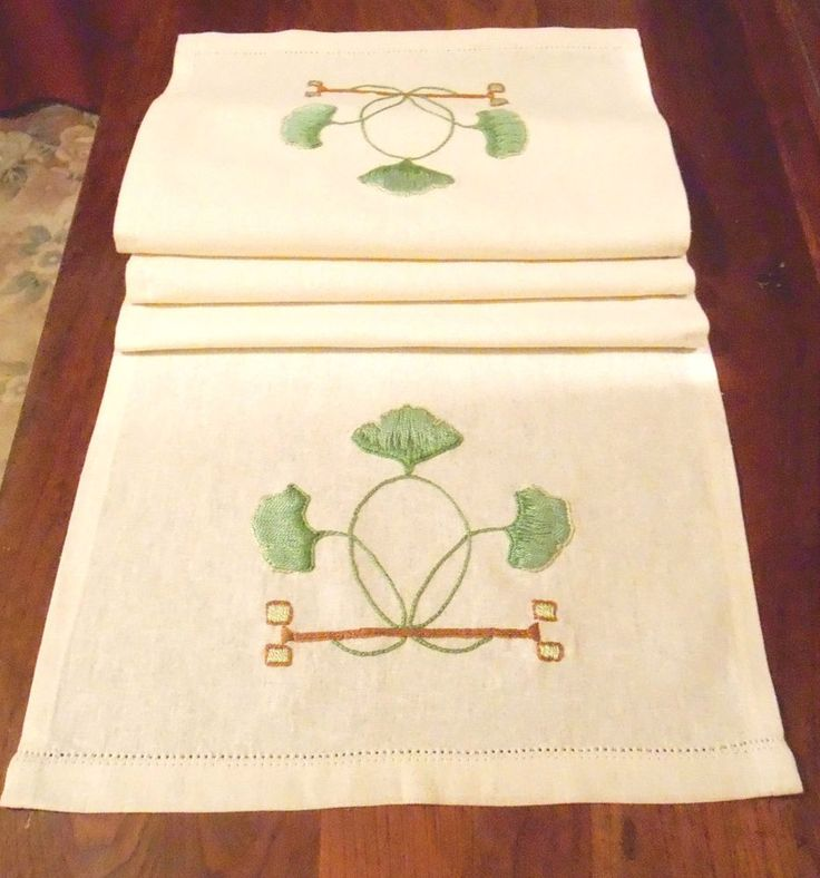 arts and crafts style table linens 1