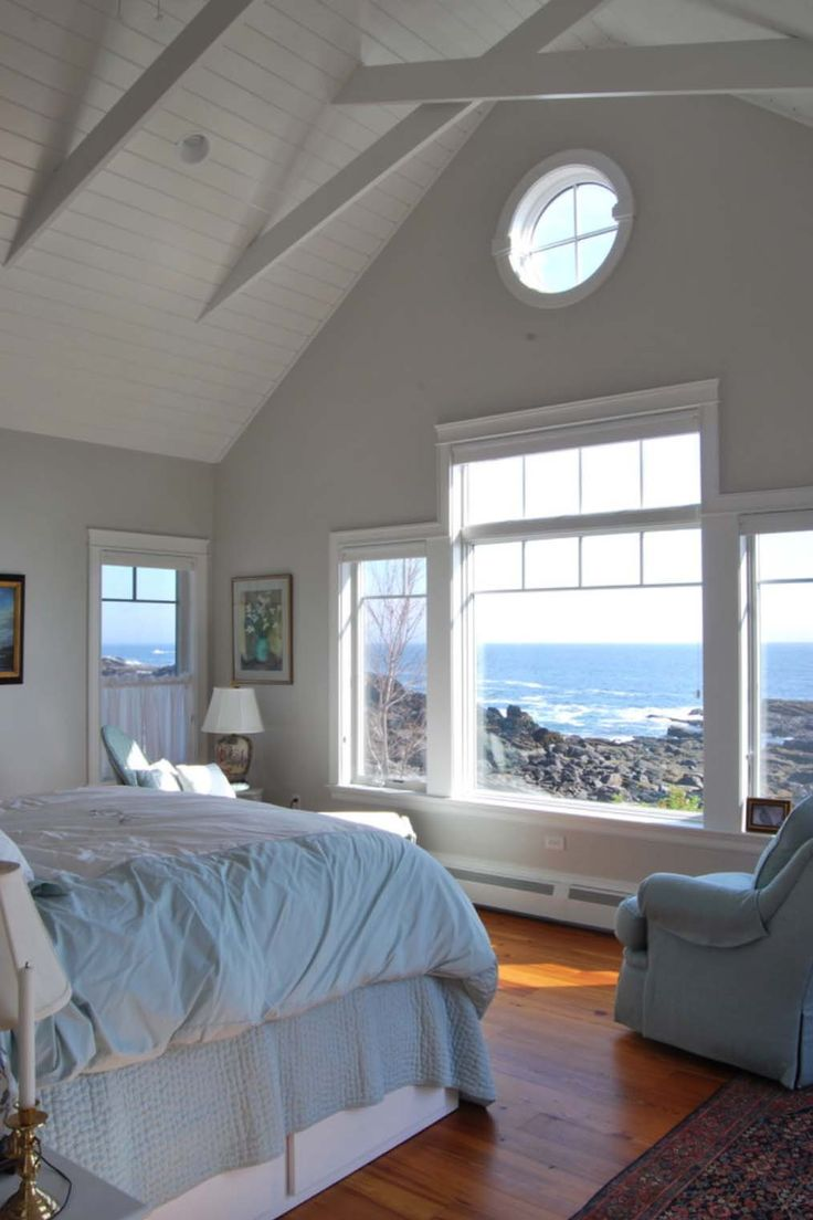 Beach cottage master bedroom - A Simple Yet Elegantly Styled Seaside Cottage In Maine