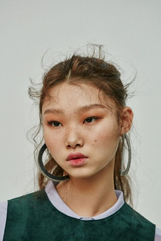 Bae Yoon Young by Shin Seon Hye for Singles Korea Jan 2016