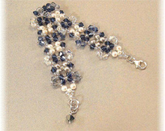 Mezcla azul marino brazalete pulsera Marina, perlas de Swarovski y cristales, pulsera de Penn State, joyería de Dama de honor, bodas plata