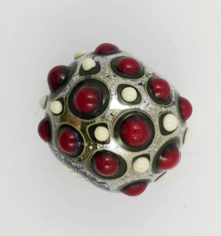 Lampwork glass bead in red and ivory di alessiafuga su Etsy