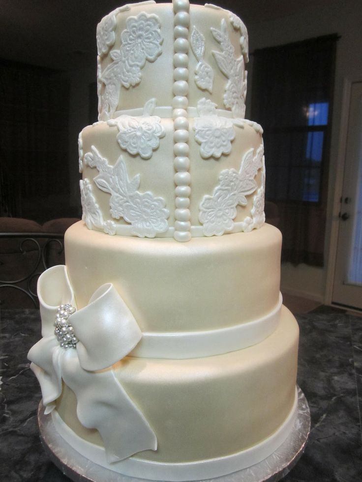 62 best images about Wedding Cakes---Ivory and White ...