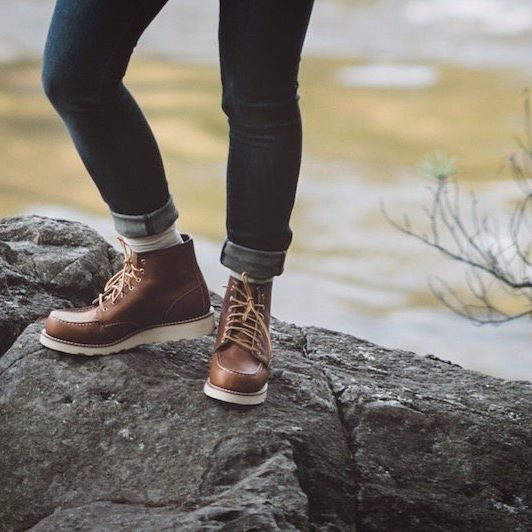 Red Wing Shoe Co. was founded and still does its business along the Mississippi River in Red Wing, Minnesota. Tomorrow, see the entire collection 50 miles upstream in Minneapolis as we celebrate Red Wing Heritage Women at @shophazelandrose #redwingwomen #redwingheritage #3375 #fw16 : @athenapelton