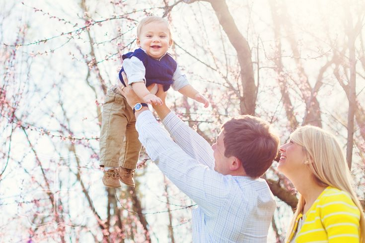 Google Image Result for http://www.beccabondphotography.com/blog/wp-content/uploads/2012/03/baby_family_photo_charlotte_nc.jpg