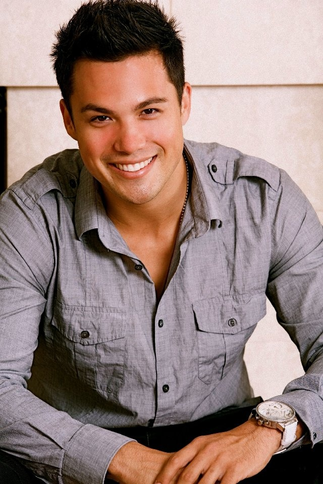 Michael Copon. You know you really wanna be an actor when you play a Guy cheerleader in a chic flick. lolz :]