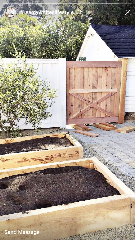 Vegetable garden plans for beginners ayanahouse - 15 Best Garden Fence Images On Pinterest Deer Fence Garden Fencing And Garden Fences